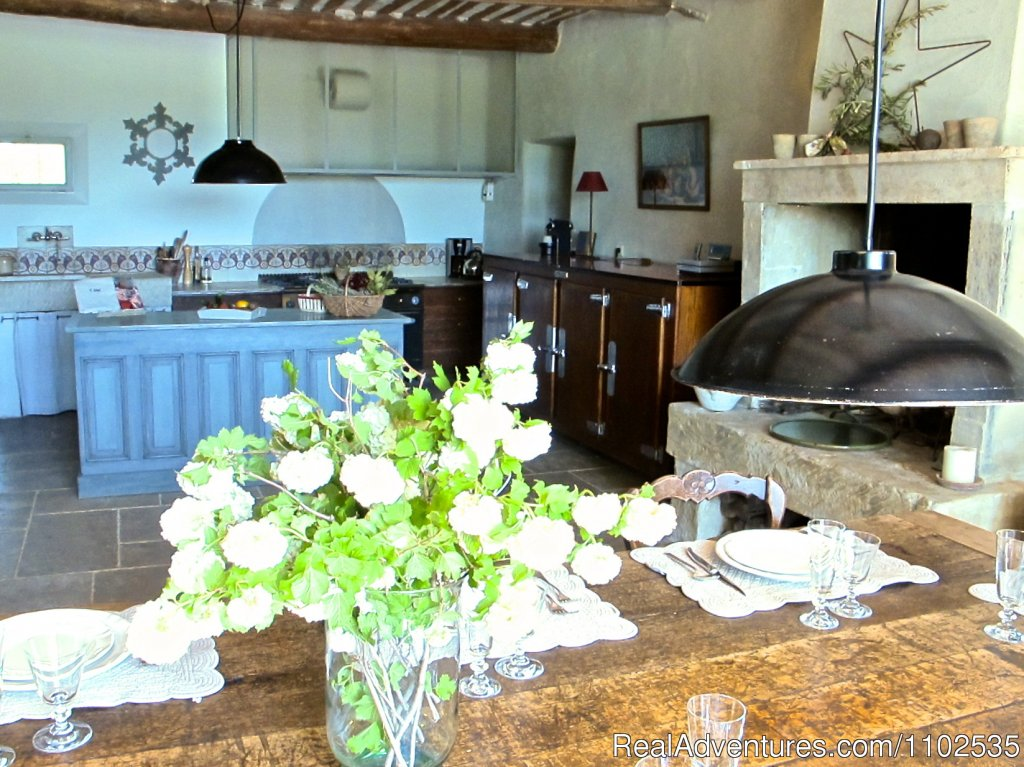 Dinning room with Professional Kitchen | Image #12/22 | Charming Holidays Rental & Guest House