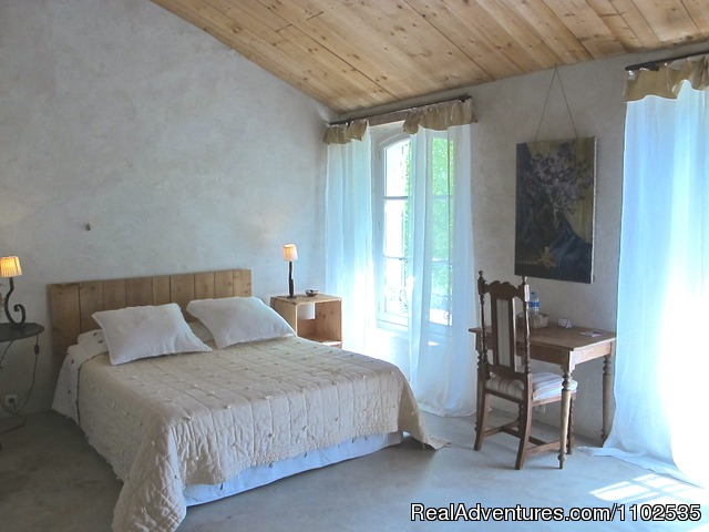 Le Pigeonnier Bedroom - Charming Holidays Rental & Guest House