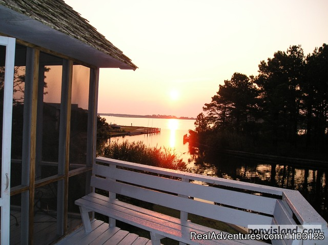 Sunrise on the Bay - Spinnaker Chincoteague Waterfront Vacation House -
