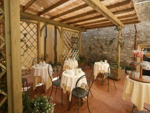 Elegant Bed&Breakfast Lucca, Italy Bed & Breakfasts