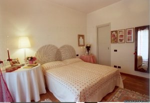 Bed and Breakfast Airport Bergamo di Silvia Mozzo Bergamo, Italy Bed & Breakfasts
