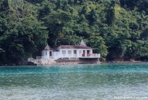 Romantic Honeymoon Hideaway Norse Point, Front View