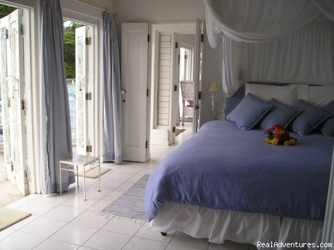 Kingsize bed - Romantic Honeymoon Hideaway