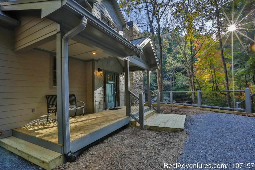 River Rock Retreat - 2BR/2.5BA sleeps 4. Not pet-friendly | Image #5/26 | Amazing accommodations in the North Ga Mountains