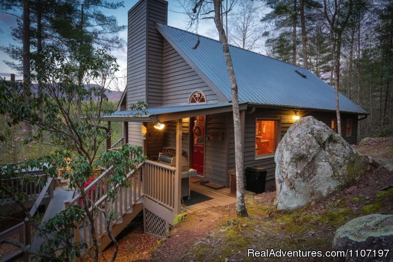 Bear Rock Lodge 2bd, 2 bath Not Pet Friendly | Image #10/26 | Amazing accommodations in the North Ga Mountains