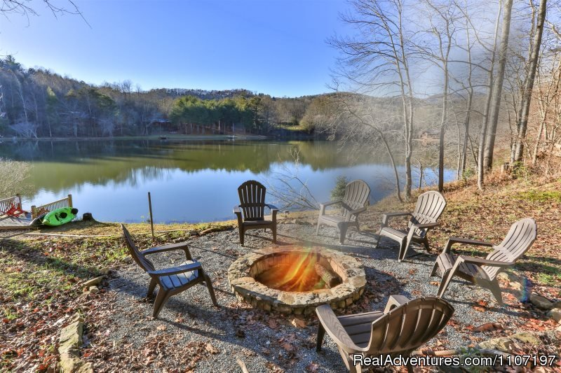 Lakeside Getaway 2bed 2 beth Not Pet Friendly | Image #11/26 | Amazing accommodations in the North Ga Mountains