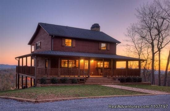 Majestic Hideaway 3bed 3 bath Pet Friendly | Image #12/26 | Amazing accommodations in the North Ga Mountains
