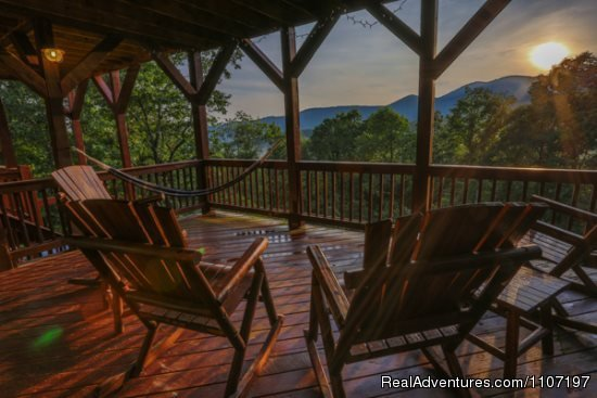Dream A Little 3bed 3bath | Image #20/26 | Amazing accommodations in the North Ga Mountains