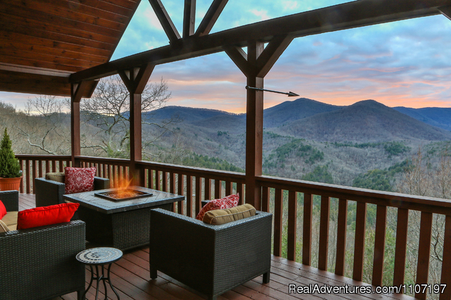 Spectacular Mountain View Log Cabins