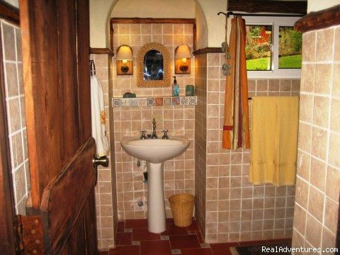 Bathroom Details - Cabins/Cottages for Rent in Altos del Maria