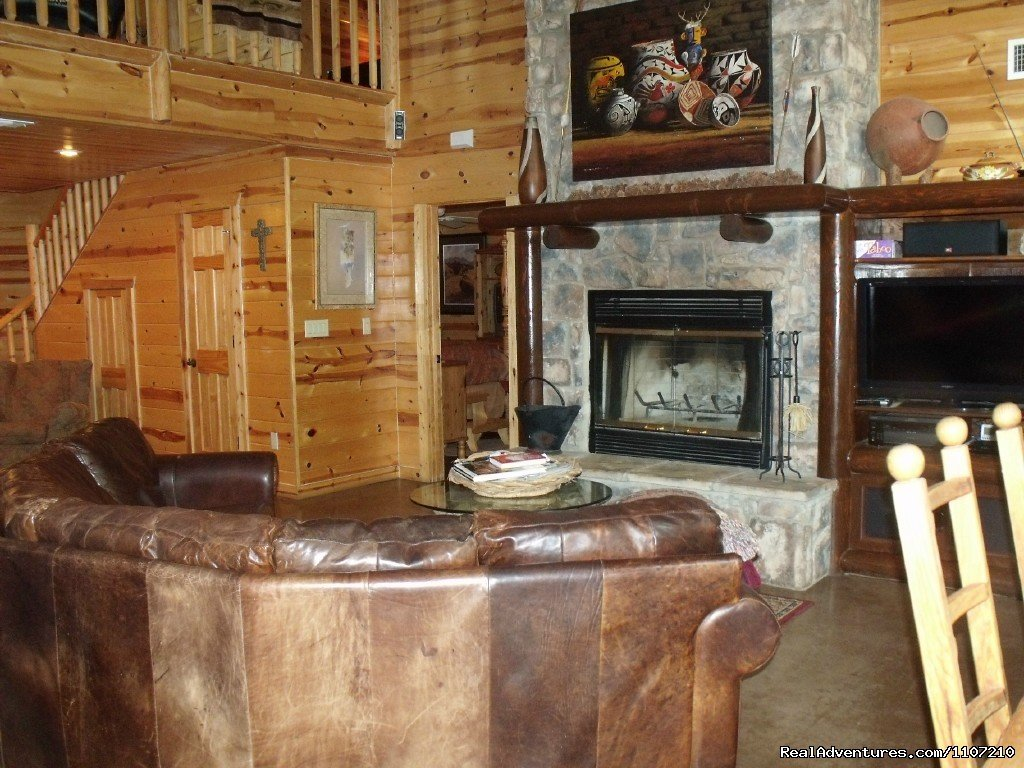 Chulosa Lodge 4 Bedroom, 3 1/2 Bath | Image #11/16 | Resort Cabin Rentals near Beavers Bend State Park