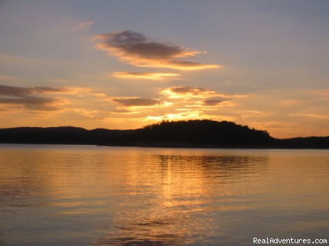 Sunset on Broken Bow Lake - Resort Cabin Rentals near Beavers Bend State Park