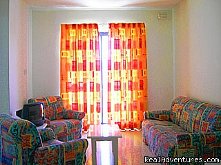 Shamrock Apartments - lounge area - Holiday Accommodation in Malta
