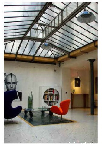 Straight out of MTV's Real World - Stunning Vacation Apartment in Paris