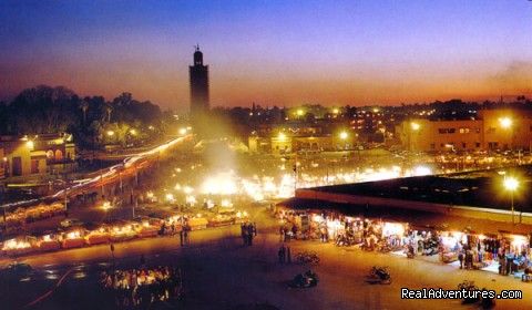 Tempete du Sud - Maroc: Square of Jamaa ELFNA in Marrakesh