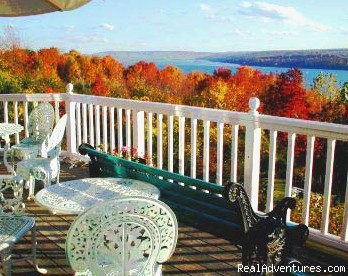 Lake Front Inn - Ithaca, NY: ...the feel is a very private, Mediteranean Villa Estate...
