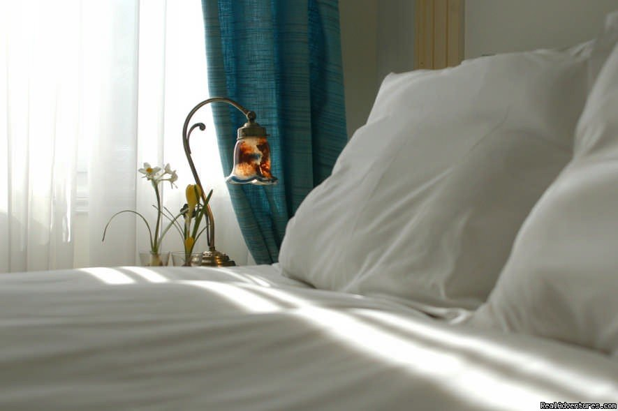 Bed details | Image #3/6 | Boutique Hotel With Acropolis View