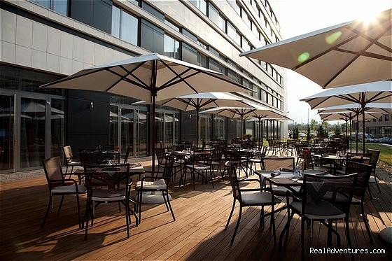 Brasserie Terrace | Image #7/12 | Holiday Inn Sofia
