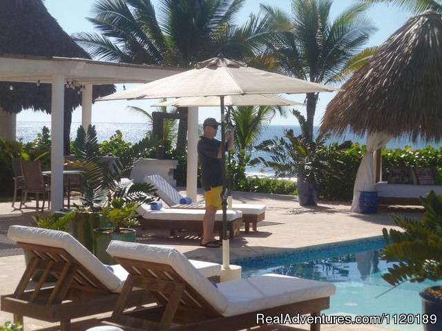 Tom, a guest from Miami, taking pictures. - Oceanfront getaway San Miguel del Mar