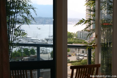 Queen second bedroom - Coal Harbour Downtown Vancouver Luxury View condo