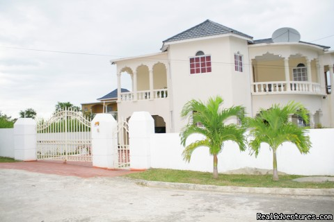 Ocho Rios OceanView Villa: Free night Ocean View Villa Front View