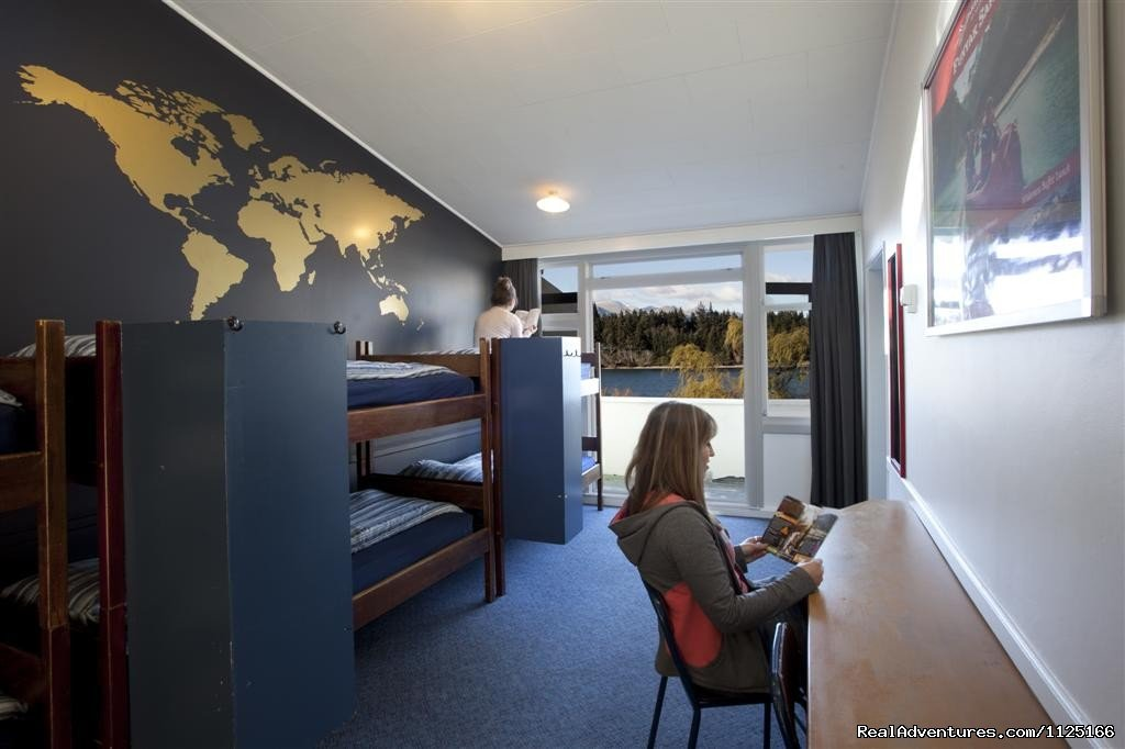 Shared Facilities - Bumbles backpackers Queensytown | Image #4/12 | Bumbles Backpackers Queenstown