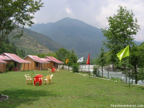 In the laps of nature, relaxing and refreshing in riverside cottages in the Himalayas.