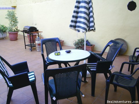 The patio is very private but spacious for eating al fresco - Apartment, Vacation Rental in Gandia, Valencia