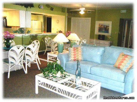 Living & Dining Rooms - Most Unique Location in Destin   Sept: $99/nt