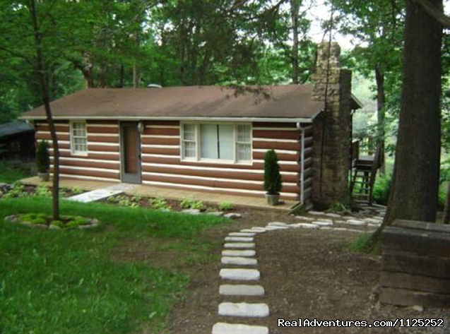 Mountain View Pond - 2 bedroom, Sleeps 4 - Shenandoah River Cabins -LionCrowCabins, Luray, VA