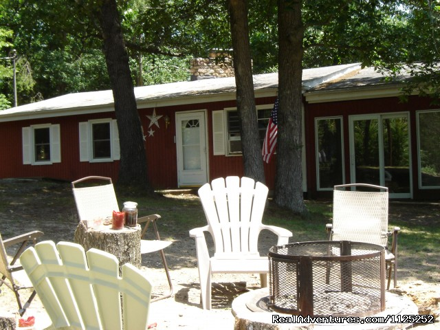 La Casita Tot Tub Heaven, 3Br Sleeper Sofa, Sleeps 9 - Shenandoah River Cabins -LionCrowCabins, Luray, VA