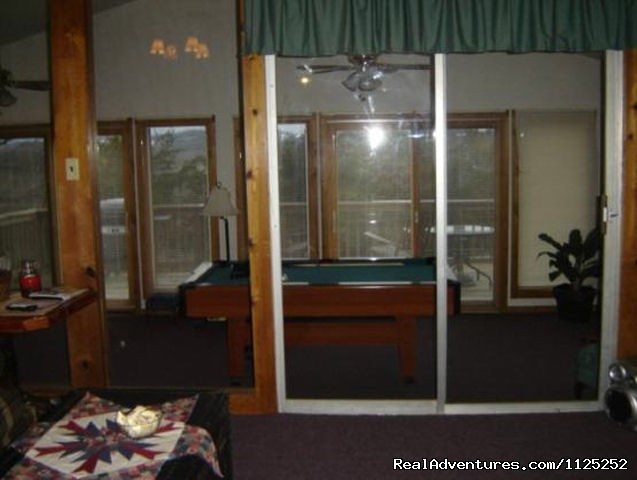 La Casita Game Room - Shenandoah River Cabins -LionCrowCabins, Luray, VA