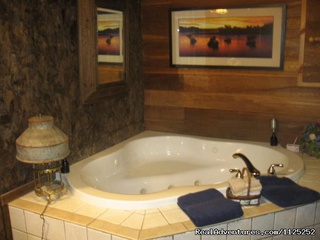 Little Truckee Jacuzzi (#13 of 20) - Shenandoah River Cabins -LionCrowCabins, Luray, VA