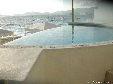 Image #12/20 | Magnificent Acapulco Beachfront Penthouse