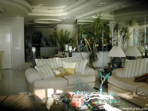 Photo #3 - Magnificent Acapulco Beachfront Penthouse