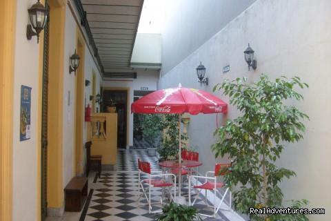 Estación Buenos Aires Hostel: Patio