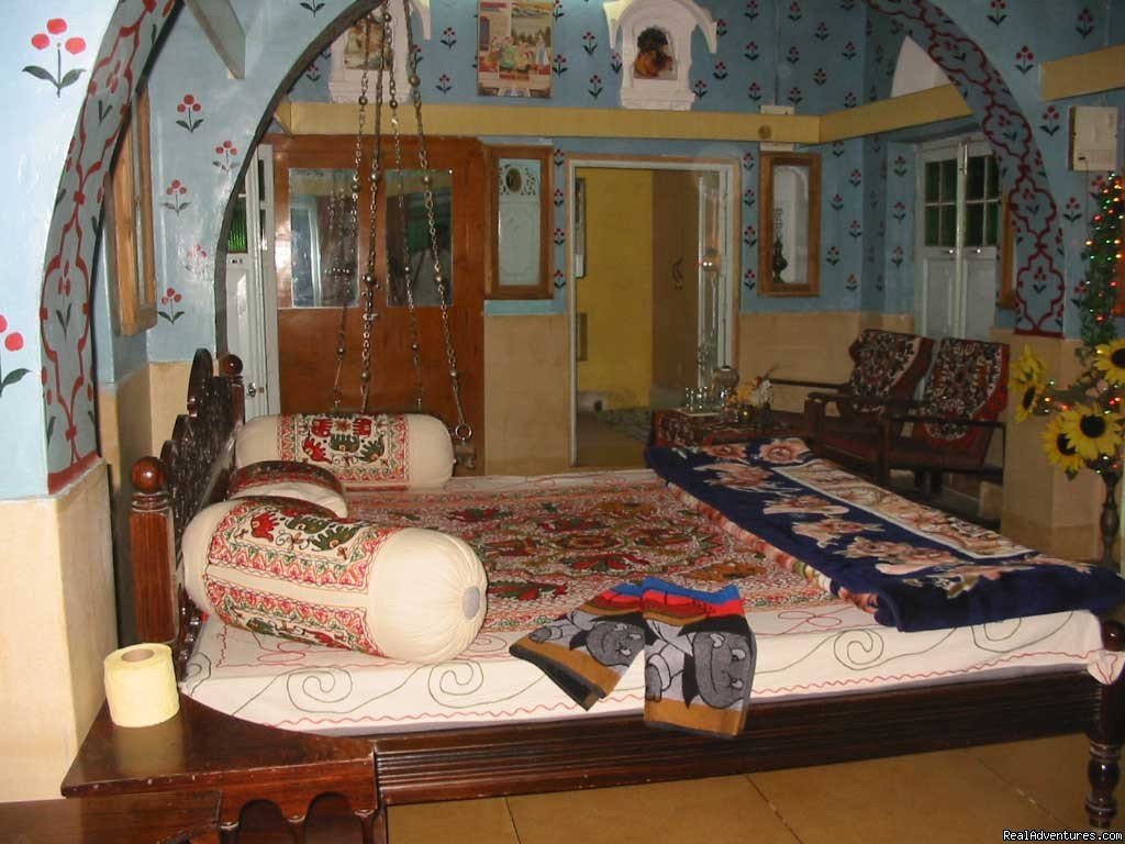 SAJI SANWRI a family run guest-house is an ideal place to your stay in