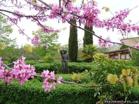 the italian formal garden - romantic country B&B POGGIO AL SORBO