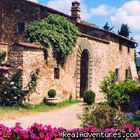 romantic country B&B POGGIO AL SORBO: the villa dated XV cent