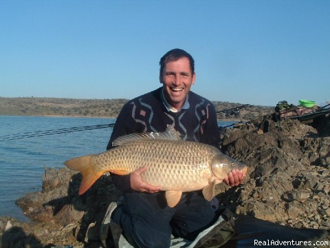 Carp and Barbel fishing Spain: 37lb Orellana Carp