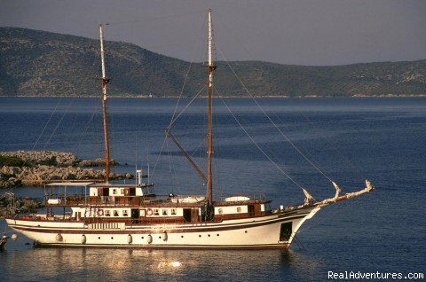 Greek Yacht Cruises to Aegean & Ionian Sea