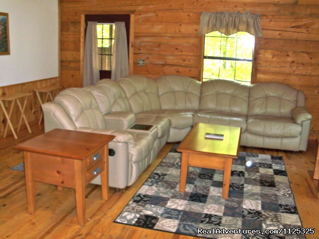 Chillin' Cabin Rental - Living Room - Secluded Cabin Rental - Beavers Bend / Broken Bow