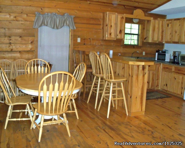 Chillin' Cabin Rental - Dining Area - Secluded Cabin Rental - Beavers Bend / Broken Bow