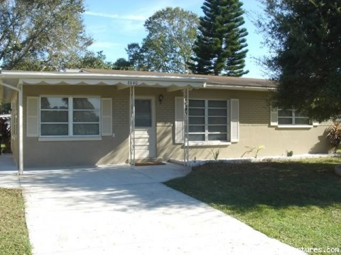 front view - New Port Richey Vacation House