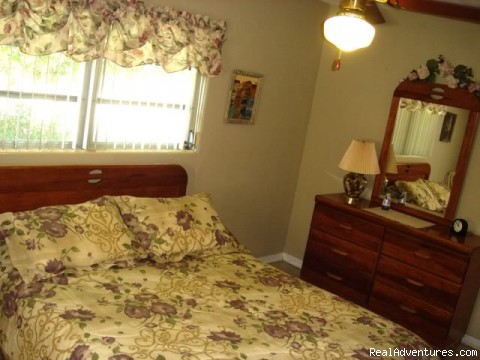 master bedroom - New Port Richey Vacation House