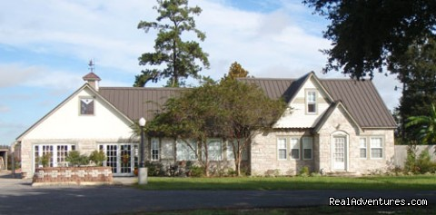 L'Acadie Inn The front of the office