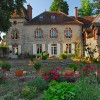 Romantic manor Burgundy Photo #1