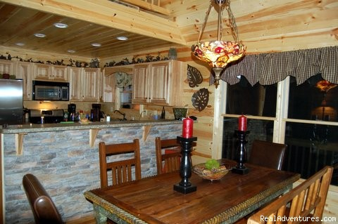 Dining Room/Fully Equiped Kitchen - Luxury Cabin, FREE Night, Firepit, Mtn Views, NEW