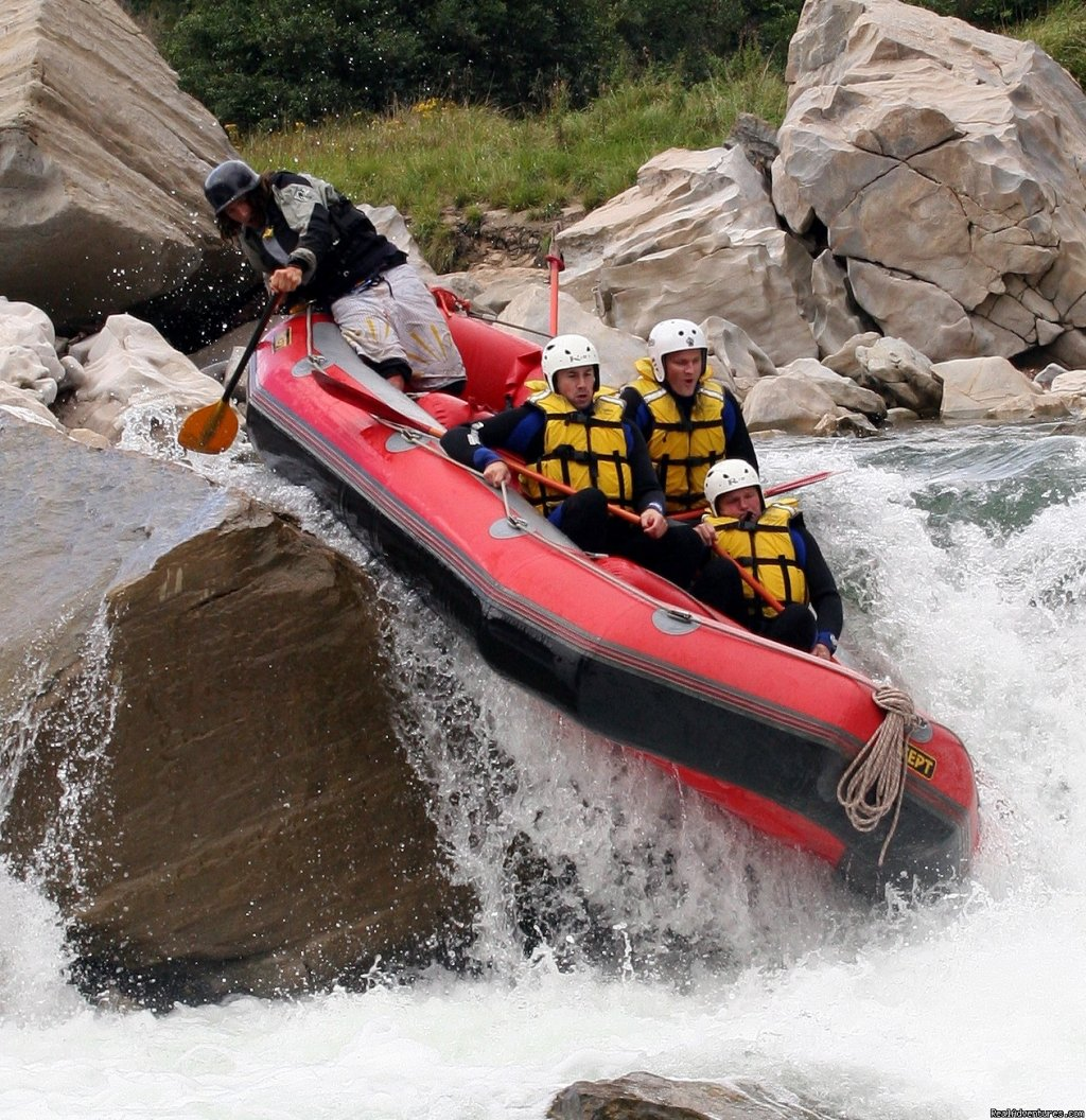 Full-on Grade 5 Heli Rafting | Image #2/13 | Heli Rafting, half day to Multi day Adventures