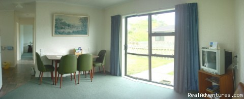 Dining area - Kowhai Court Motel Apartments